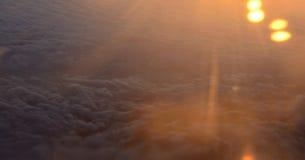 Предыдущий восход солнца над облаками Взгляд самолета Стоковые Изображения RF