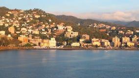 Прибегните на Albisola-Марине морского побережья, Савоне, Италии акции видеоматериалы