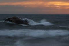Прибой восхода солнца стоковое изображение rf