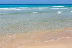 Прибой моря на пляже Стоковые Фото