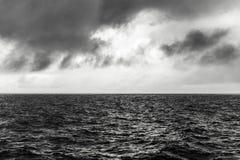 прибой моря точного золота склонения добросердечный стоковые изображения