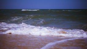 Прибой на море, замедленное движение видеоматериал