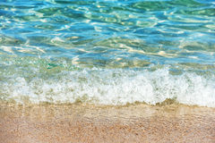Прибой на пляже стоковая фотография