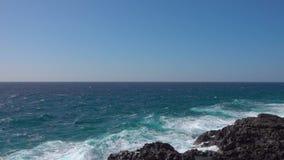 Прибой океана - волны видеоматериал