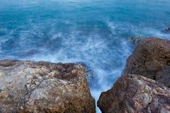 прибой Средиземного моря Стоковые Изображения