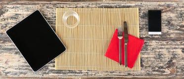 Приборы вместо еды стоковая фотография rf