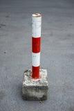 Прибор засорением автостоянки в красной и белом стоковое фото rf