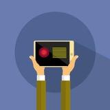 Прибор планшета владением руки современный Стоковая Фотография