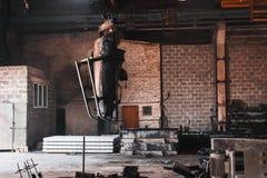 Прибор для лить бетон в форме стоковая фотография rf