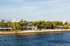 Прибрежные дома на канале доставки Стоковое Фото
