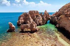 Прибрежные скалы (Ponta da Piedade), Лагос, Португалия стоковые изображения