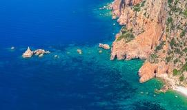Прибрежный ландшафт Корсики, каподастра Rosso стоковое фото rf
