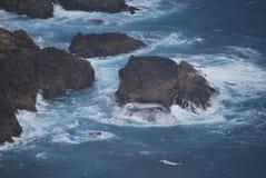 Прибрежный берег шоссе 1 в CA стоковые фотографии rf