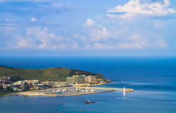 Прибрежный город на море, яхт-клуб Стоковая Фотография RF
