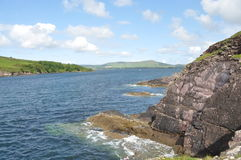 Прибрежный залив в Dingle, Керри графства, Ирландии Стоковое фото RF