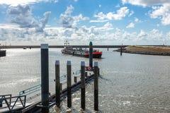 Прибытие корабля в порте Стоковое Фото