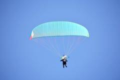 приведенный в действие paragliding Стоковые Фото