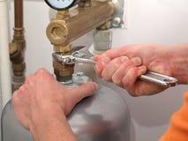 привинчивая клапан Стоковая Фотография RF