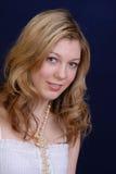 привлекательная белокурая девушка Стоковое фото RF