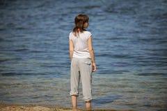 привлекательная вода девушки Стоковое фото RF