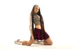 привлекательная девушка ее колени Стоковое Изображение RF