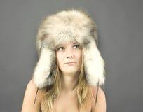 привлекательная женщина зимы типа портрета Стоковые Изображения RF