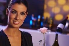 Привлекательная женщина на вечере Стоковое Изображение
