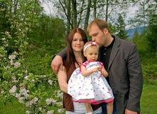 привлекательная кавказская семья Стоковые Изображения