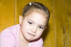 Привлекательная маленькая девочка Стоковое Изображение RF