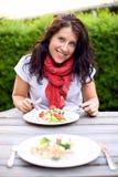 Привлекательная повелительница Enjoying дата обеда Стоковое Фото
