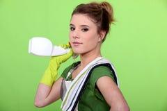 Привлекательная чистка женщины Стоковое фото RF