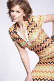 привлекательное woma лета платья стоковое фото