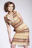 привлекательное woma лета платья стоковое изображение