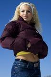 привлекательные белокурые детеныши женщины Стоковая Фотография