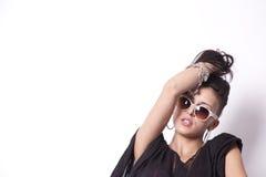 привлекательные волосы девушки ее детеныши удерживания Стоковая Фотография RF