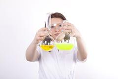 привлекательные детеныши техника лаборатории Стоковое фото RF