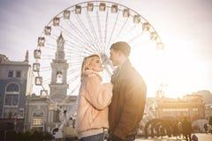 Привлекательные любовники наслаждаются их датой Стоковое Изображение