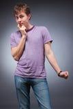 привлекательные смущенные детеныши человека Стоковая Фотография RF