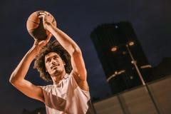 Привлекательный баскетболист Стоковое Фото