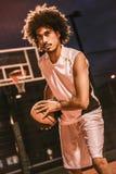 Привлекательный баскетболист Стоковое фото RF