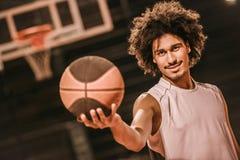 Привлекательный баскетболист Стоковая Фотография