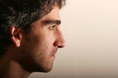 привлекательный взгляд профиля человека стоковая фотография