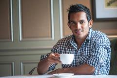 привлекательный индийский человек 2 стоковое фото