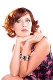 привлекательный красный цвет портрета мечтая девушки с волосами Стоковое фото RF