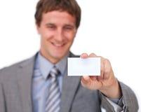привлекательный показ карточки бизнесмена дела Стоковые Фото
