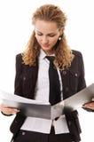 привлекательный портрет документа коммерсантки Стоковые Фотографии RF