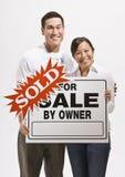 привлекательный проданный знак пар Стоковое Изображение