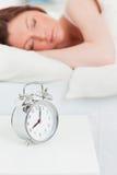Привлекательный red-haired спать женщины стоковые изображения