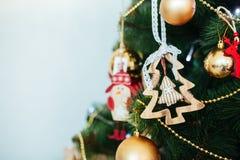 Привод игрушки рождества Рождество elkay белизна изоляции подарков рождества Стоковое Изображение
