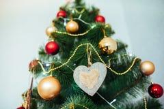 Привод игрушки рождества Рождество elkay белизна изоляции подарков рождества Стоковая Фотография RF